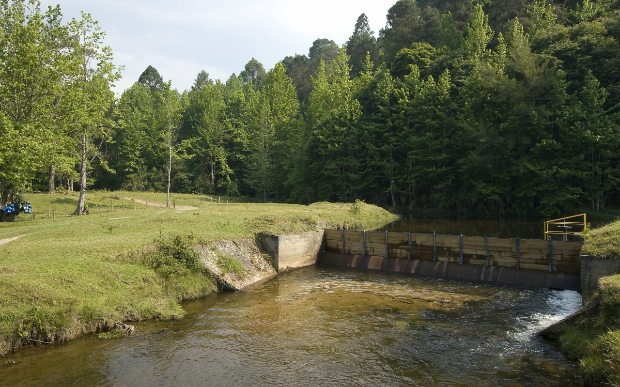 Energy dissipation systems in hydro plants